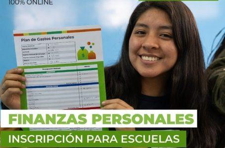 Capacitan a jóvenes en finanzas personales