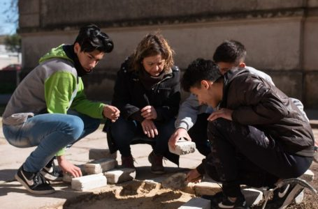 El proyecto de adoquines descontaminantes del aire ganó varios premios, entre ellos uno del Conicet y otro de la Universidad Nacional del Litoral.