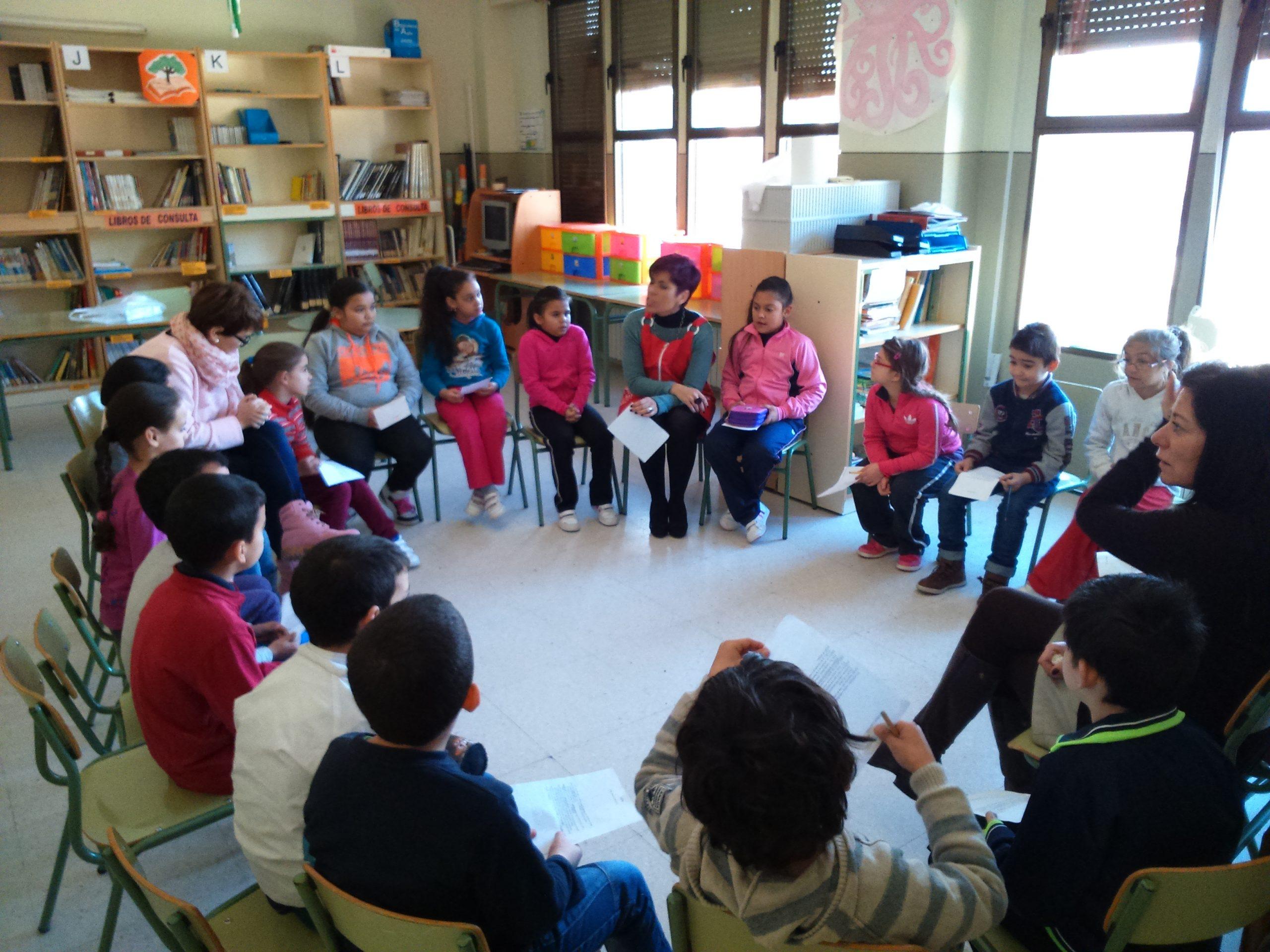 Tertulias literarias: un diálogo entre estudiantes, docentes y libros