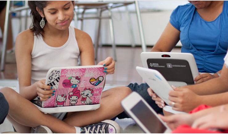 Presentan manuales para enseñar Ciencias de la Computación en la escuela