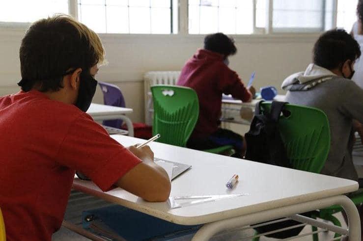 Vuelta a clases 2021: 3 de cada 4 escuelas adoptaron un formato bimodal